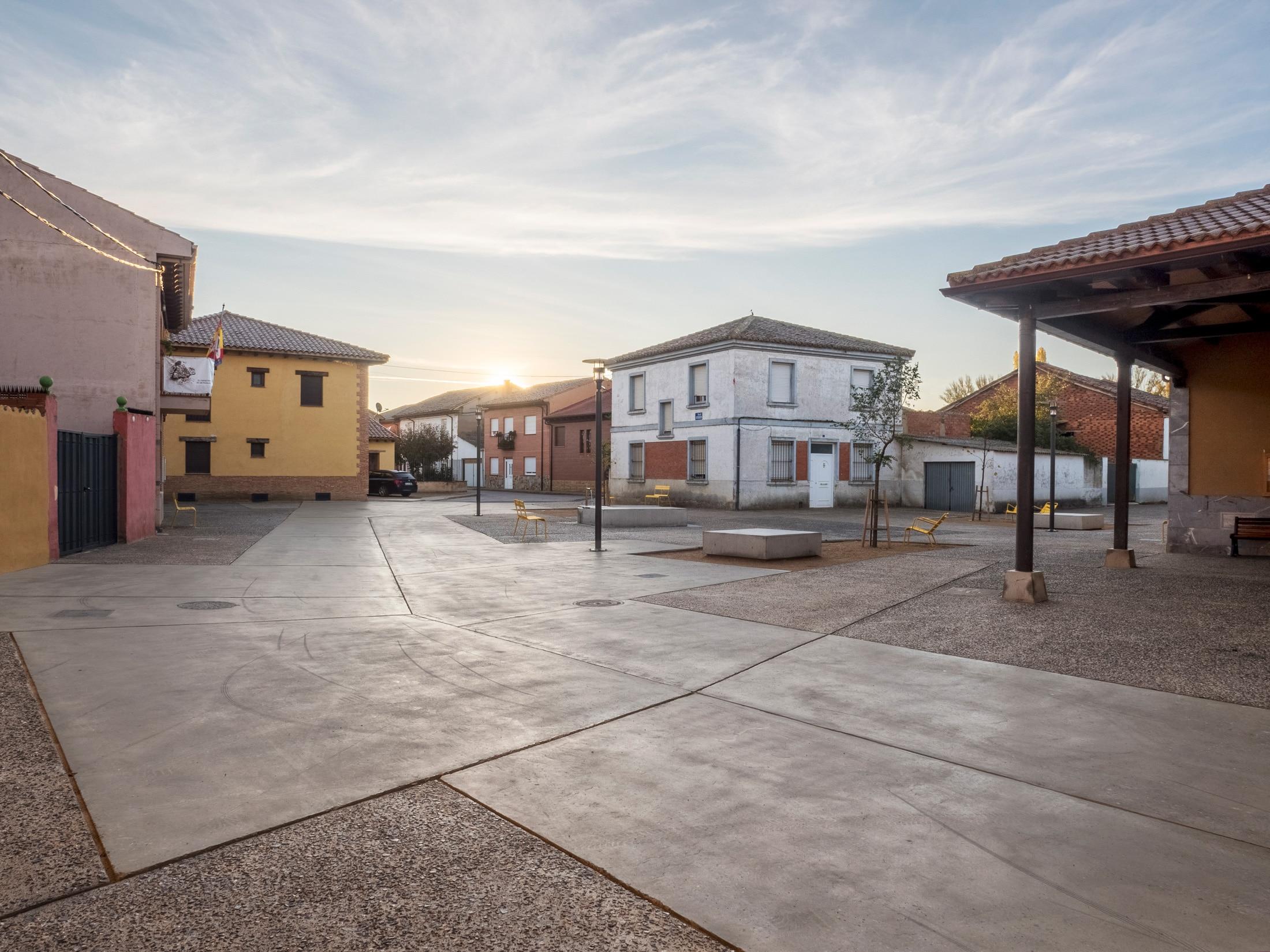 Plaza Mansilla – Pavimento pulido